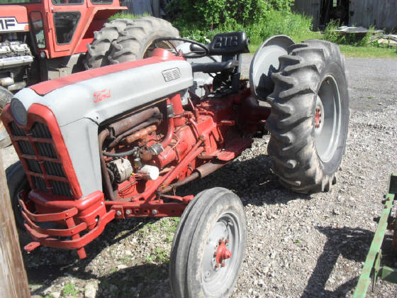 801 Ford Seat : Ford tractor